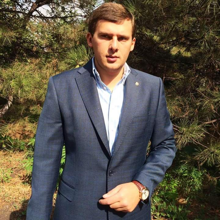 babev - Олексій Тахтай продає коштовне майно в центрі Києва?